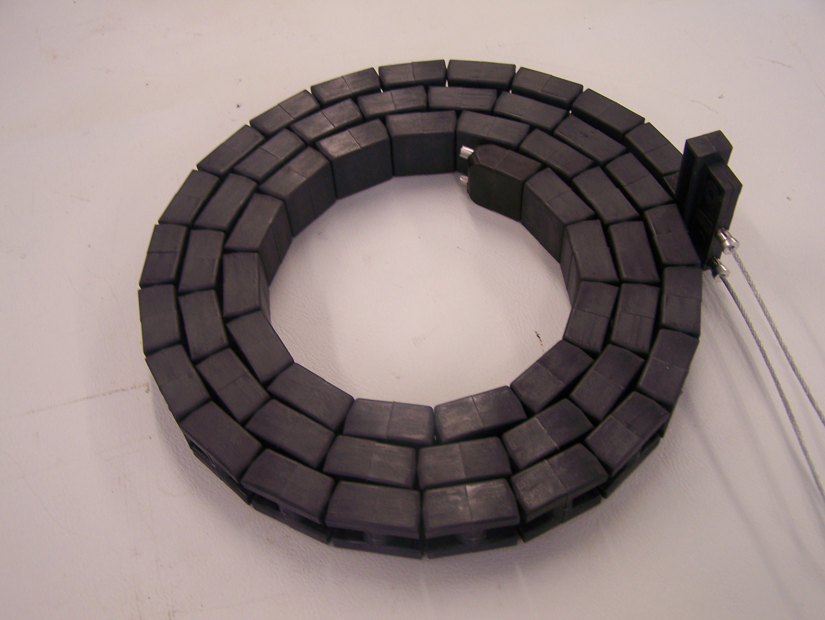 Apache Lifter Chain (Heavy black plastic blocks)